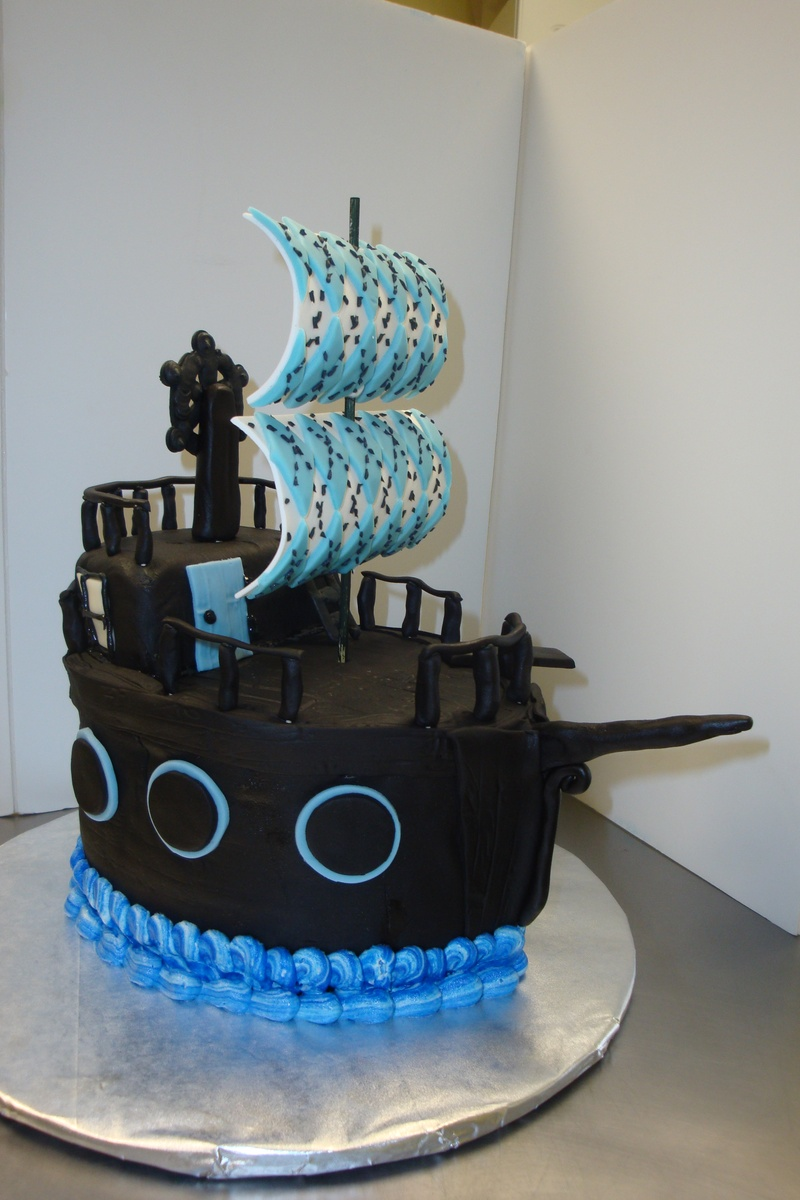15 serving fondant pirate ship $200