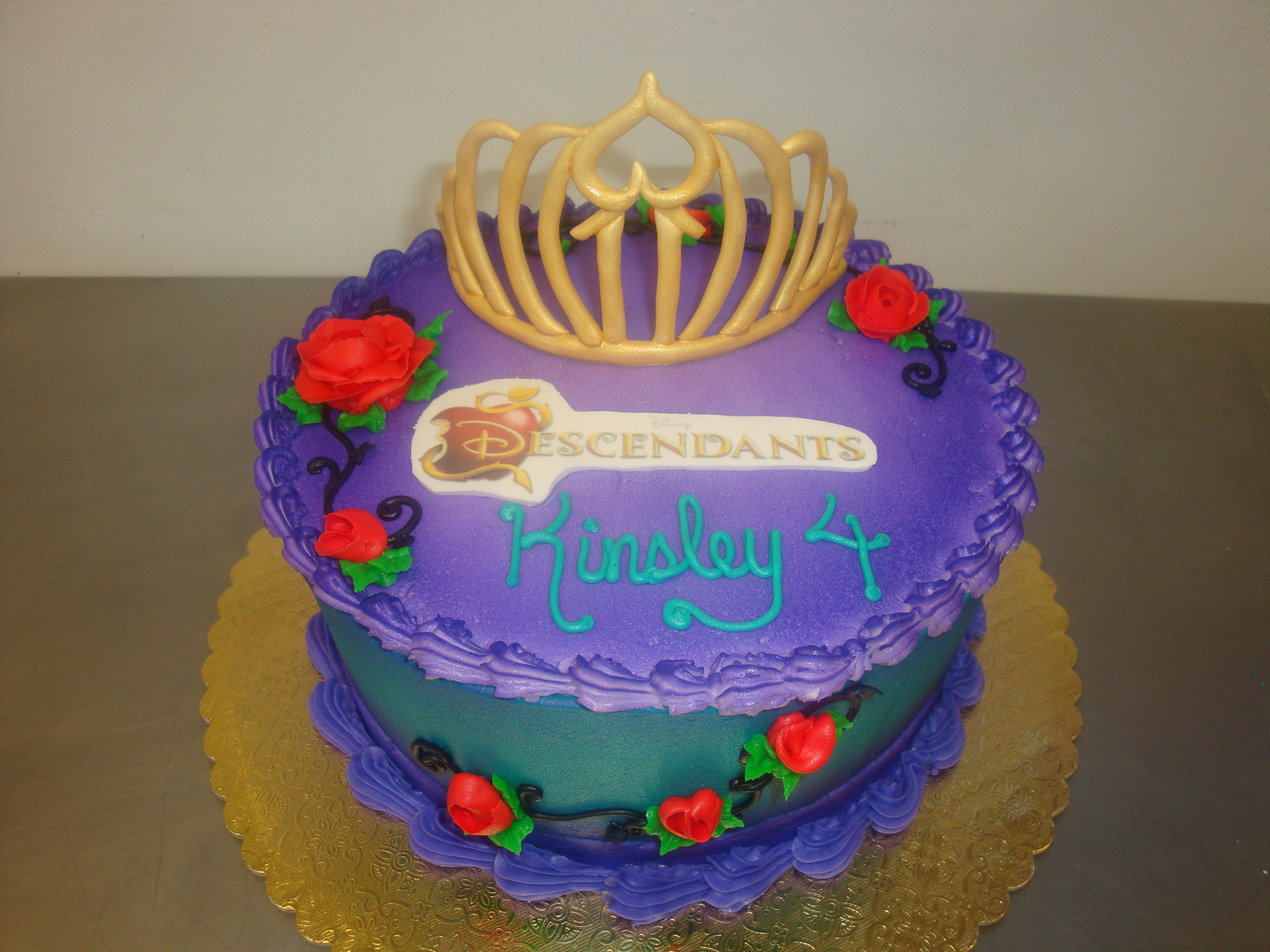 15 servings with airbrushing and gumpaste crown $90